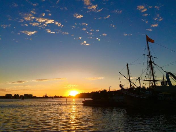 sunset-2418090_1280